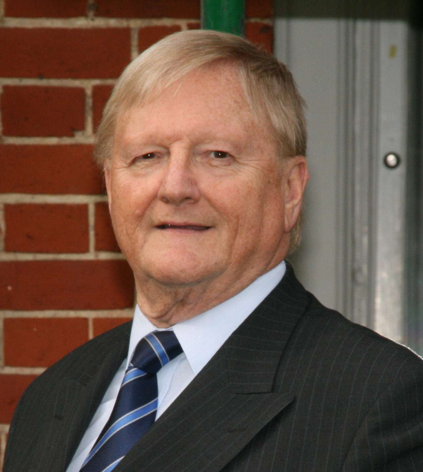 David Jones MIConstM
